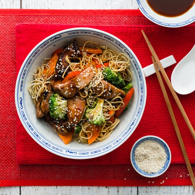 Chinese Chicken Noodle Stir Fry