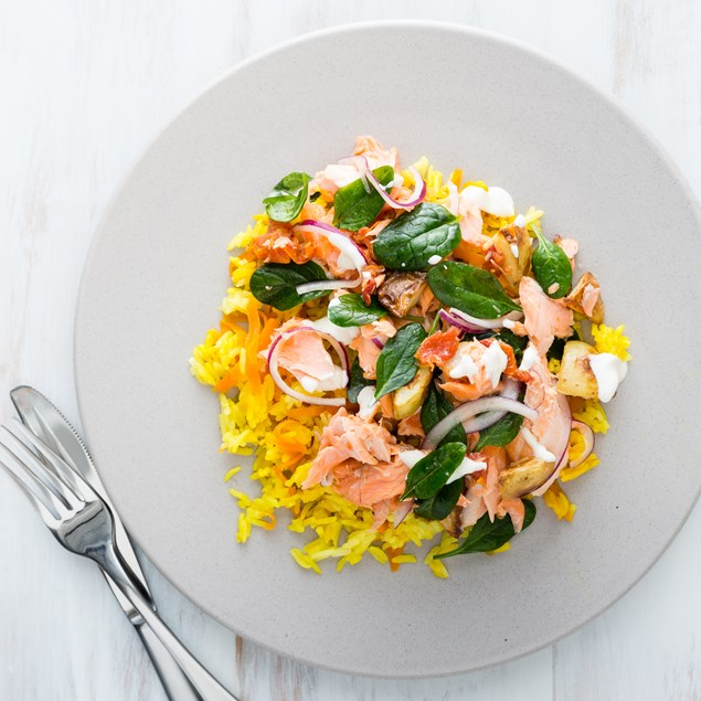Flaked Salmon and Spinach Salad with Baked Rice